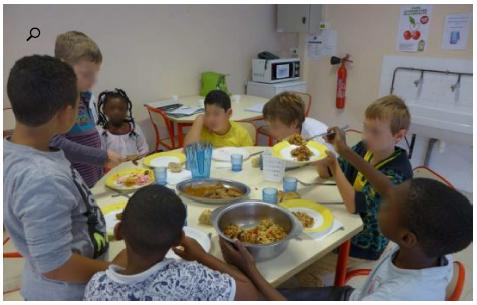 Saint-Maur, ce lundi. Ce midi-là, la ratatouille ne reçoit pas un grand succès à la cantine de l'école des Chalets… Un peu moins de 12 kg du plat principal seront recueillis dans une poubelle dédiée.